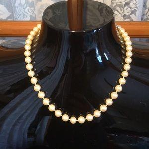 """Pearl 16"""" Vintage Faux Necklace"""
